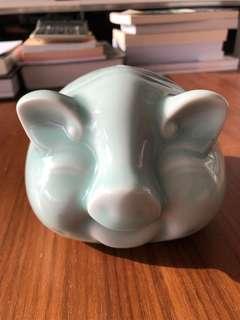 Porcelain Pig 🐽