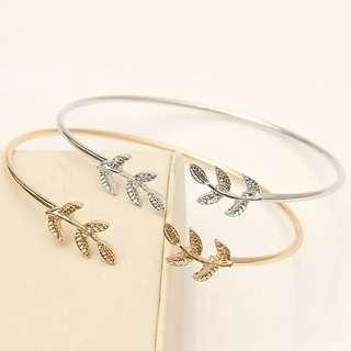 🚚 ✓ Instock Leaf Cuff Bracelet