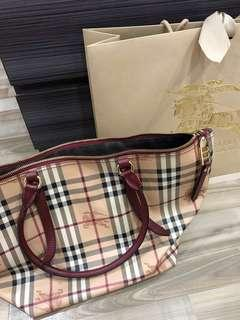 🚚 Burberry Handbag