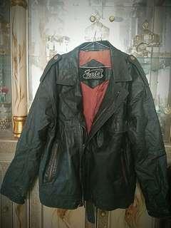 Jaket kulit model ramones