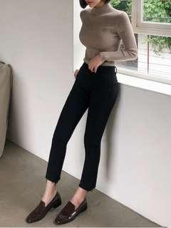 Chuu straighten pants
