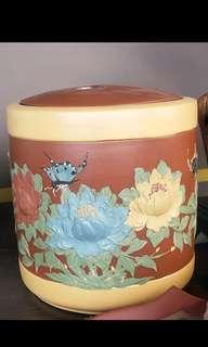 🚚 超大茶罐 紫砂段泥 牡丹花開富貴 早期手工立體花繪