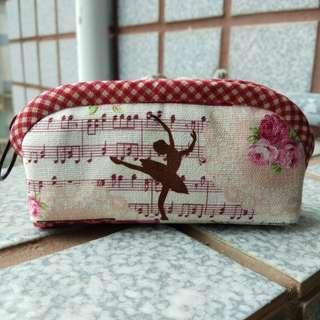 手工拼布~甜美芭蕾手作印章包/口紅包/零錢包