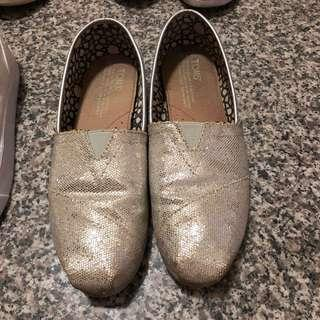 🚚 TOMS 銀色亮片鞋