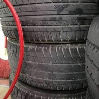 215/60-16 Bridgestone  turanza