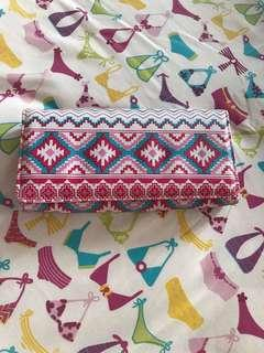 Dompet Motif Tribal