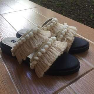 Chiel beige momo sandal kekinian