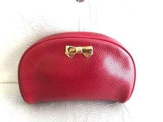 🚚 全新法國NINA RICCI紅色防刮牛皮金色蝴蝶結化妝包
