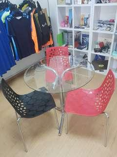 ROUND GLASS TABLE WITH 3 CHAIRS