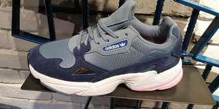 Adidas last order 10 januari.