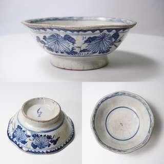 八卦双花青花碗 Vintage chinese antique octagon blue & white porcelain bowl