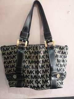 Authentic Prelove Michael Kors Large size Bag