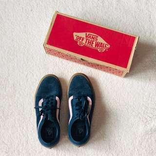 Vans Old Skool Navy Blue Suede Sneakers