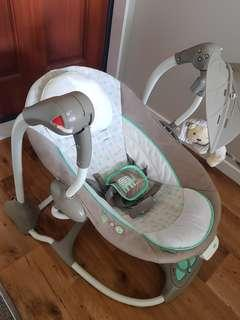 Baby bouncer.