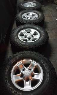 Land Rover Defender wheels 265 75 16