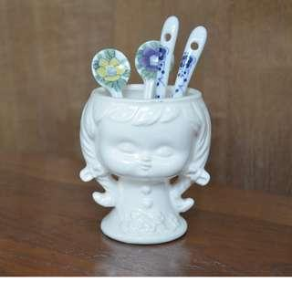 Porcelain girl Plant pot / pen holder / spoon holder
