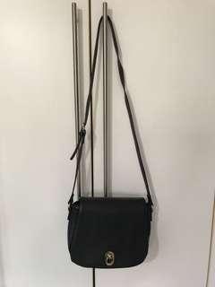 Black Zalora sling bag