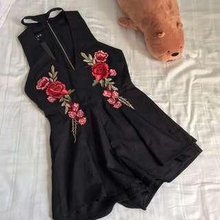 bnwt floral choker v neck dress