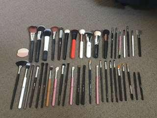 MAKEUP BRUSHES AND CASES