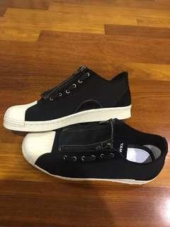 Y-3 yohji yamamoto black and white sneakers trainers