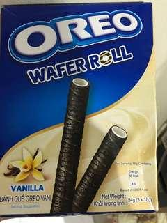 NEW Oreo Wafer Roll