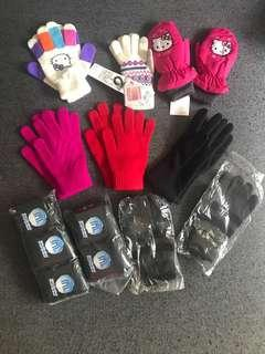8 gloves heattech winter uniqlo sanrio Marks and spencer socks