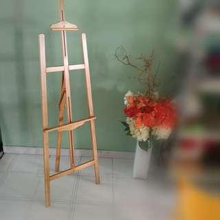 Drawing stand essels wooden both New and used cheapest base in quality