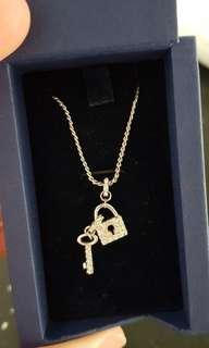 Swarovski paddlock and key necklace