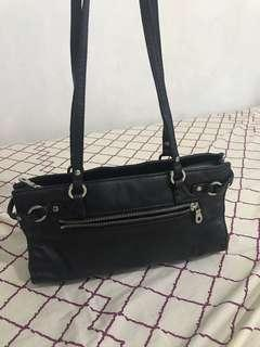 Maxima leather bag ( hand bag) good condition
