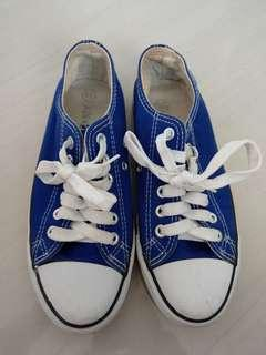 Blue sneakers size 36