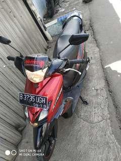 Motor Mio GT red black