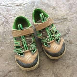 Clarks kid shoes