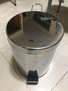 全新五金,金屬腳踏式垃圾筒