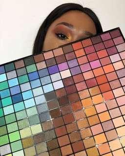Revolution 196 Colour Spectrum Palette