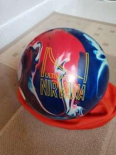 Brunswisk ultimate nirvana bowling ball 14lbs