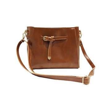 (INSTOCKS) Brown Leather Messenger Bag
