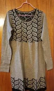🈹👗 啡色大樹圖案冷裙 Brown tree scene knitted dress