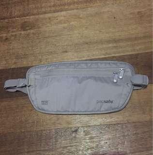 Pacsafe 100 Belt Bag