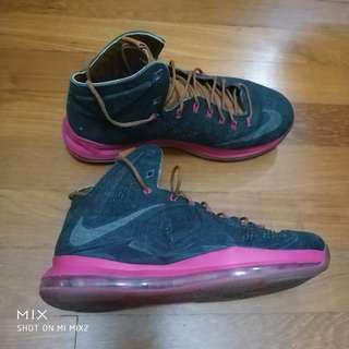 384106686d6 BEATERS! Nike Lebron 9 IX Christmas sz9.5