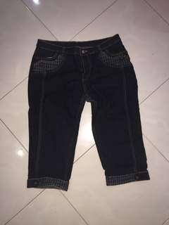 🚚 3/4 Jeans