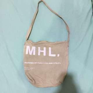 Sling bag (tas selempang)