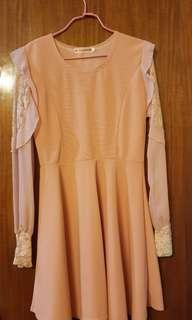 👗 粉紅桃色長身斯文裙 Pink long-sleeves dress