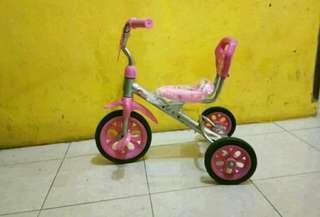 Sepeda anak roda tiga