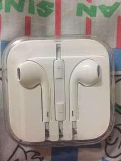 Apple Earpiece-brand new 100-% original-sealed-$40