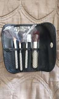 e.l.f. travel brush set (compact size)