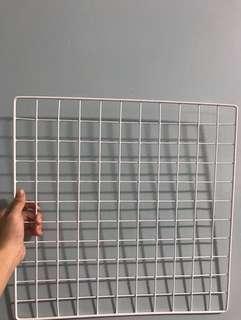 white mesh grid board set