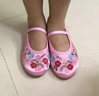Girls Shoes / 绣花鞋 for CNY (21cm)