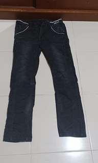 Jeans cowok