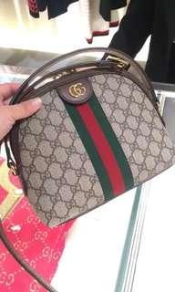 超火紅 Gucci 貝殼包 近全新$33000出售