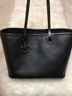 Chanel authentic seri 20